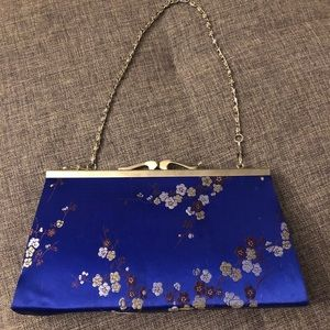 Vintage y2k asian-inspired clasp mini purse